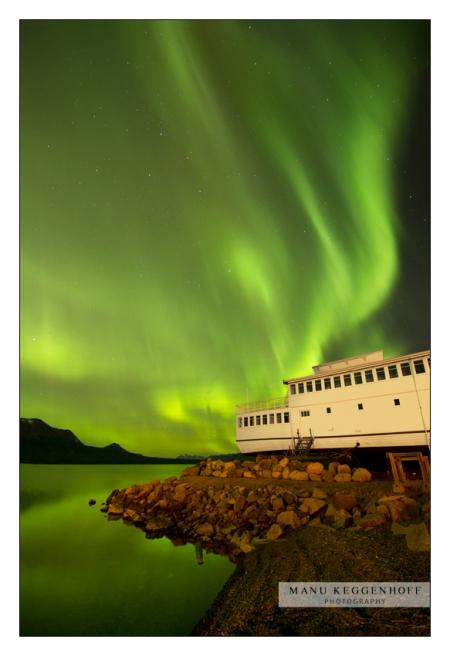 Manu Keggenhoff -- Aurora Across Atlin Lake