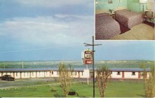 Richer Motel, Quebec; Card notes that motel has electric heat, shower, TV