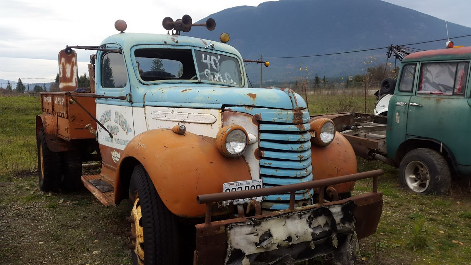 Cool Vintage Junkyard For Sale « O\' Canada